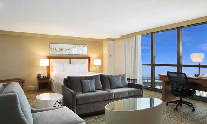 Hotel DoubleTree by Hilton Miami Airport & Convention Center, Florida, EE. UU. - Suite Junior con cama King
