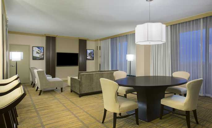 Hotel DoubleTree by Hilton Miami Airport & Convention Center, Florida, EE. UU. - Suite tipo Parlor