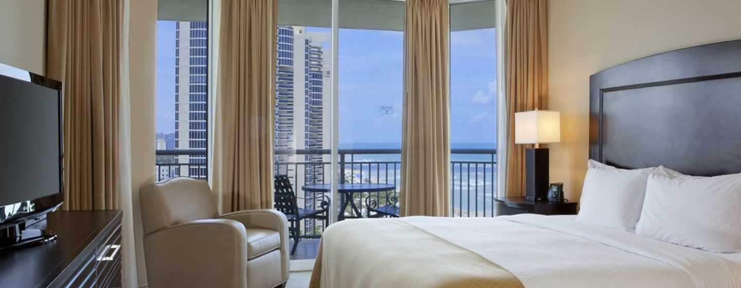 Hotel DoubleTree Resort & Spa by Hilton Ocean Point - North Miami Beach, Florida, EE. UU. - Suite de un dormitorio con cama King