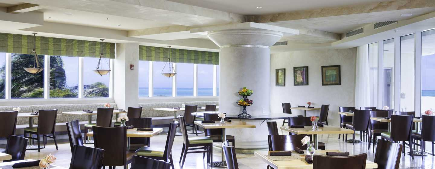 Hotel DoubleTree Resort & Spa by Hilton Ocean Point - North Miami Beach, Florida, EE. UU. - Restaurante The View