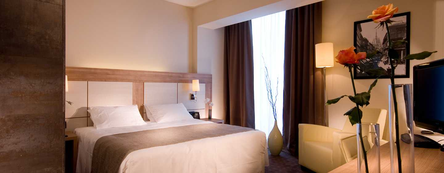H tels d 39 affaires milan h tel doubletree by hilton for Chambre 13 film