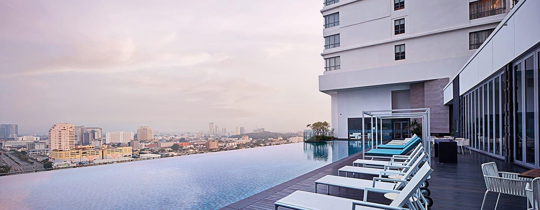 โรงแรม DoubleTree by Hilton Hotel Melaka มาเลเซีย - สระว่ายน้ำ