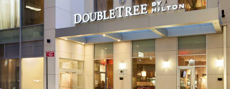 Doubletree By Hilton Hotel New York City Financial District Extérieur Et Entrée Du Restaurant
