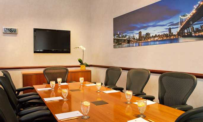 DoubleTree by Hilton Hotel New York - Boardroom