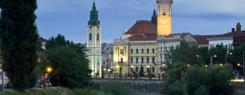 Hotel DoubleTree by Hilton Oradea, România – Primăria şi Turnul de observare