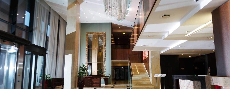 Хотел Doubletree by Hilton Novosibirsk, Русия – зона за рецепция