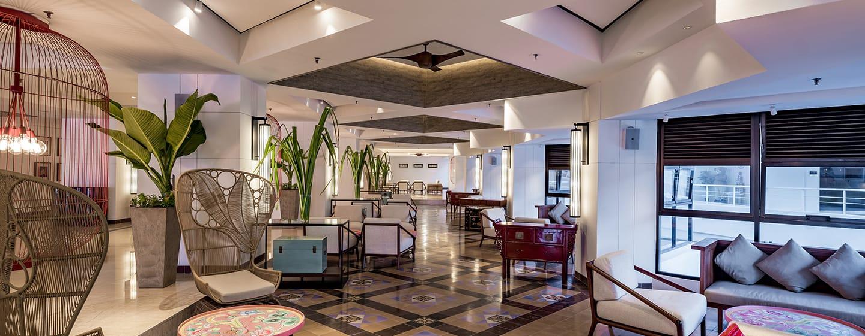 โรงแรม Doubletree by Hilton Penang มาเลเซีย - เลานจ์ Axis