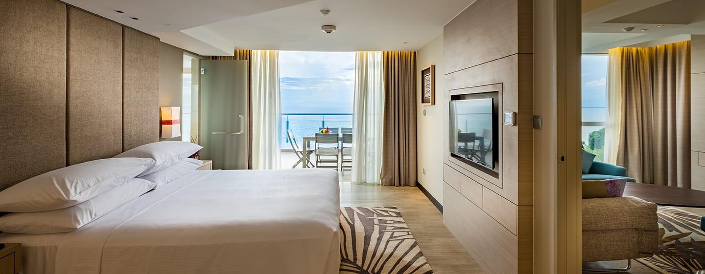 โรงแรม Doubletree by Hilton Penang มาเลเซีย - ห้องเทอร์เรซสวีท เตียงคิงไซส์ - วิวทะเล
