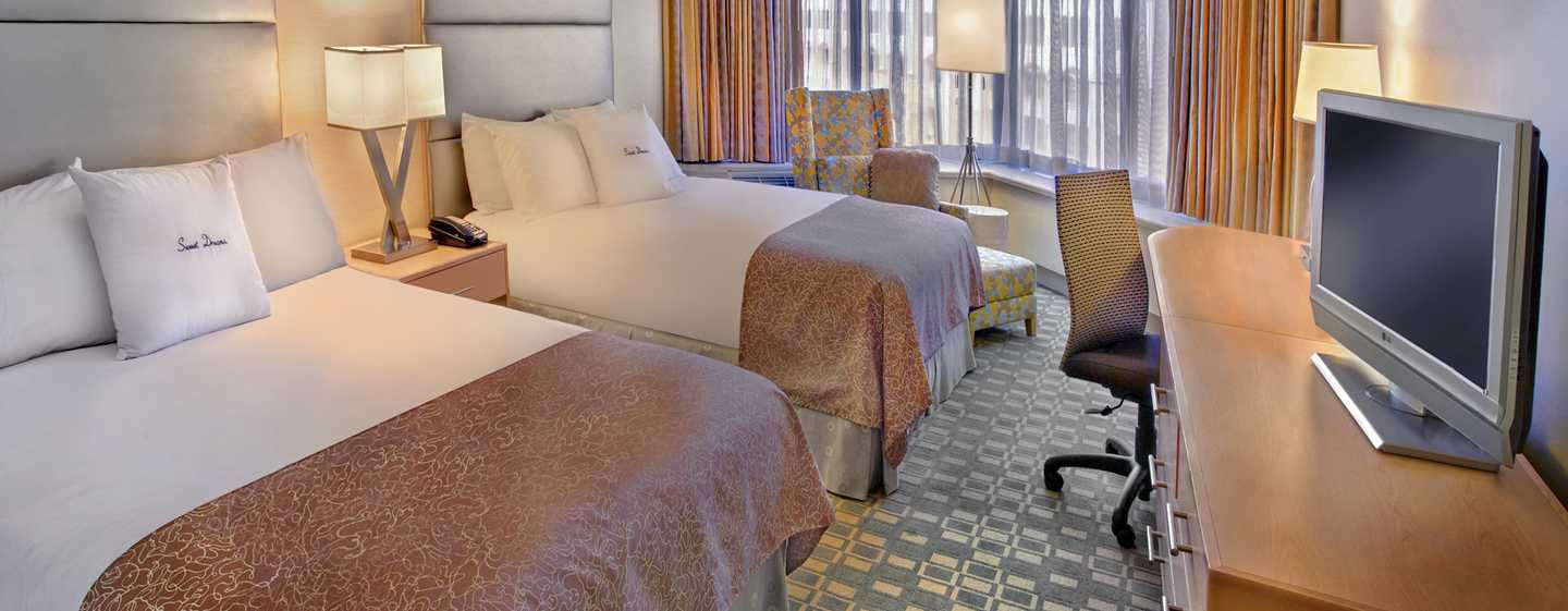 DoubleTree By Hilton Hotel Philadelphia Center City, Pennsylvania, USA – Standard Zimmer mit zwei Queen-Size-Betten
