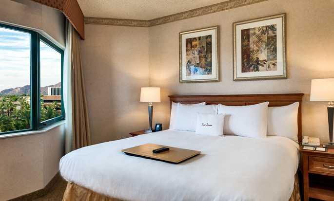 Hotel DoubleTree Suites by Hilton Phoenix, Arizona - Suite con cama King