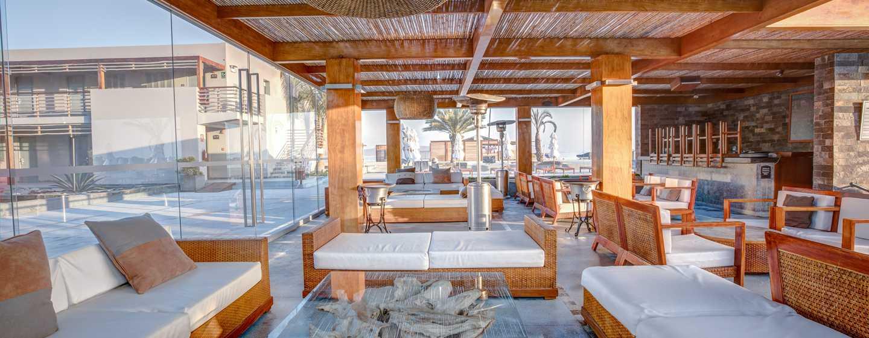 Hotel DoubleTree Resort by Hilton Paracas-Perú - Bar de la piscina