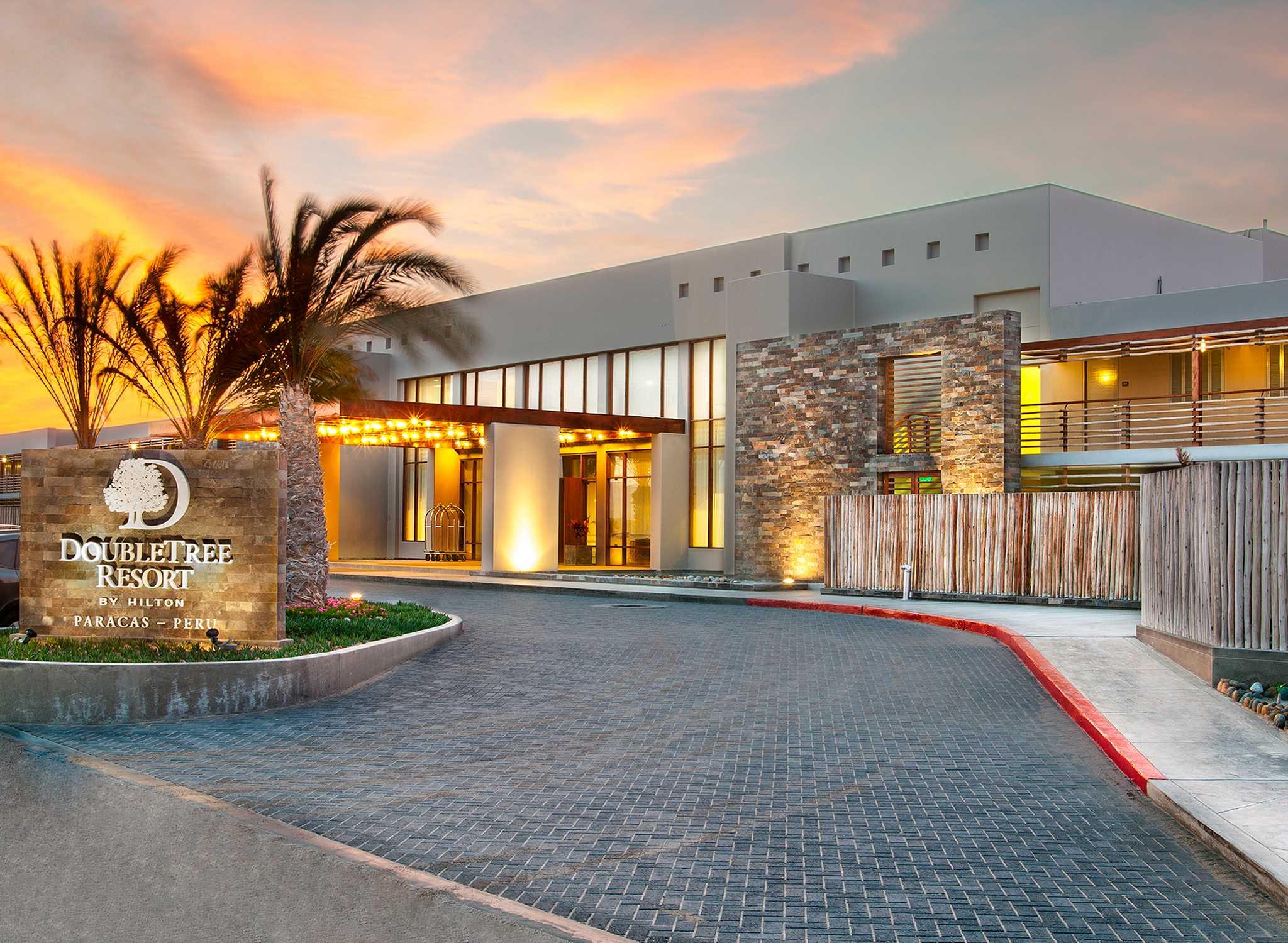 Hotel en per lima paracas hilton for Hotel luxury resort paracas