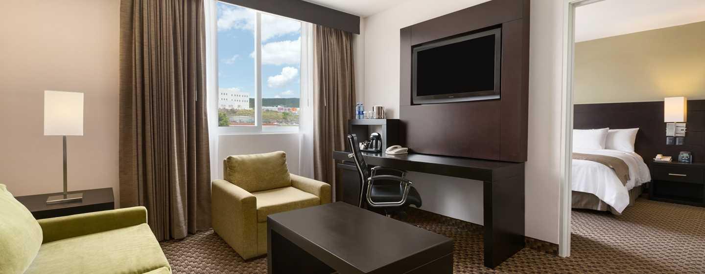 DoubleTree by Hilton Queretaro, México - Habitación con cama King