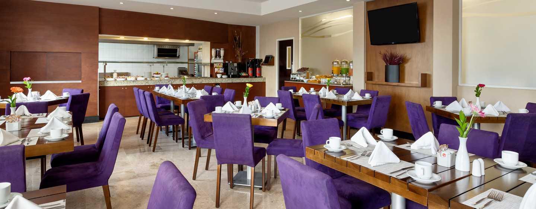 DoubleTree by Hilton Queretaro - Restaurante The Oak