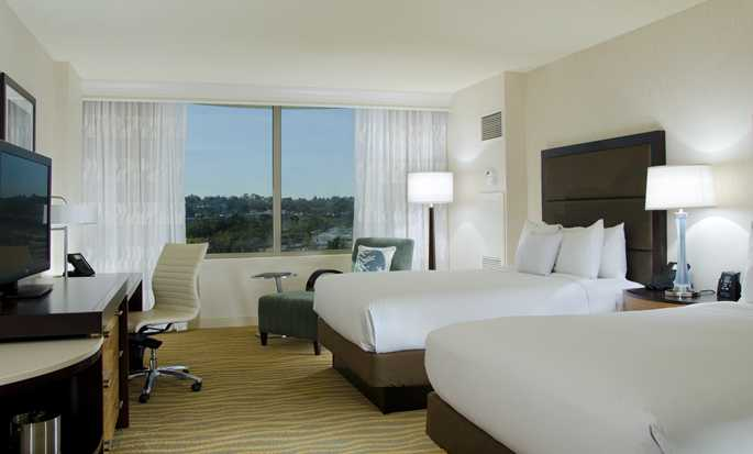DoubleTree by Hilton Hotel San Diego – Mission Valley, Califórnia, EUA – Quarto Double com cama queen-size