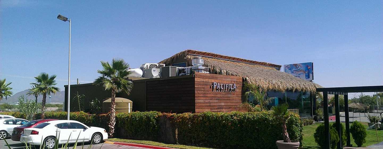 Hotel DoubleTree Suites by Hilton Saltillo, México - Bar Pacifica