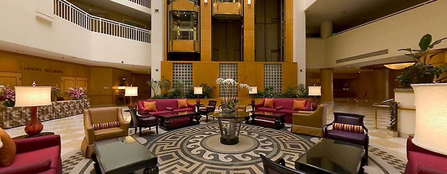 DoubleTree Suites by Hilton Hotel Santa Monica, Kalifornien, USA – Hotel-Lobby