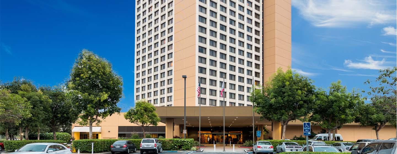 Hotel DoubleTree by Hilton Anaheim - Orange County, Estados Unidos - Fachada del hotel