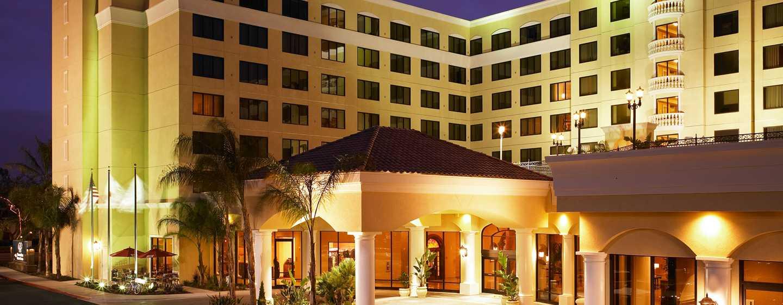 Hotel DoubleTree Suites by Hilton Anaheim Resort - Fachada del hotel