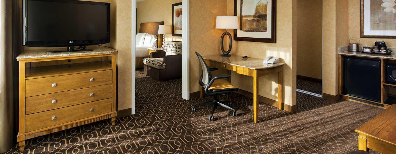 Hotel DoubleTree Suites by Hilton Anaheim Resort - Convention Center, California - Sala de estar de la suite con cama King