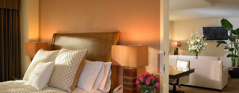 Hotel DoubleTree Suites by Hilton Anaheim Resort - Convention Center, California - Dormitorio de la suite Presidential
