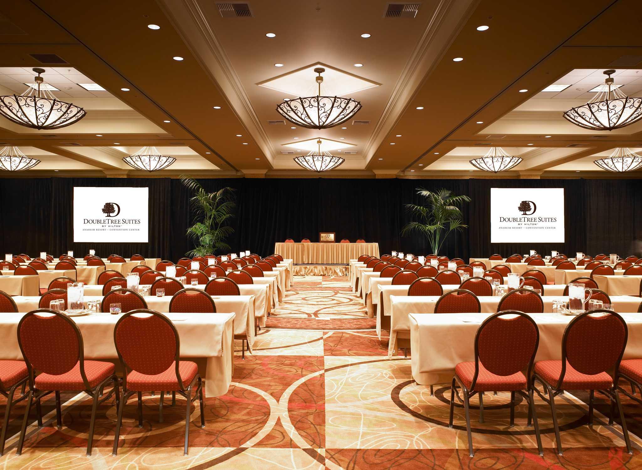 hotel doubletree suites anaheim convention center. Black Bedroom Furniture Sets. Home Design Ideas
