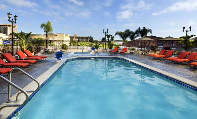 Hotel DoubleTree Suites by Hilton Anaheim Resort - Convention Center, California - Piscina al aire libre
