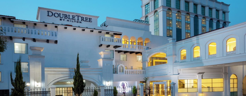 DoubleTree by Hilton Toluca, México - Fachada del hotel