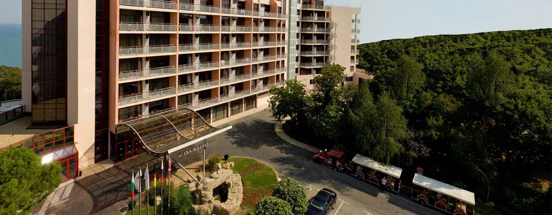 Хотел DoubleTree by Hilton Hotel Varna – Златни пясъци, България – външен изглед на хотела