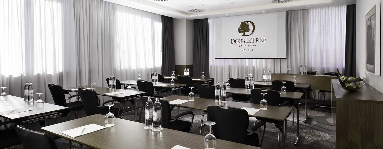 Хотел DoubleTree by Hilton Zagreb, Хърватия – зала за срещи с оформление тип класна стая