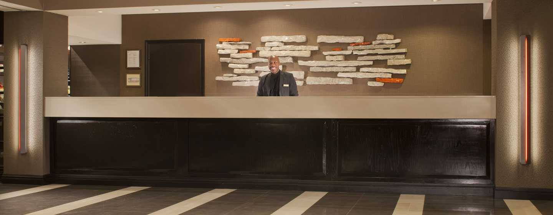 Hotel Embassy Suites by Hilton Austin Arboretum, Texas, EE. UU. - Lobby del hotel