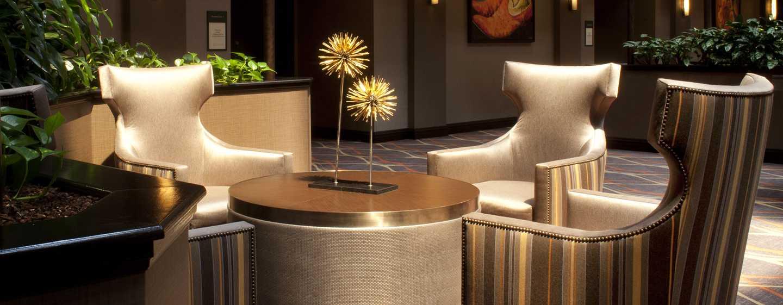 Hotel Embassy Suites by Hilton Austin Arboretum, Texas, EE. UU. - Sala de estar del lobby