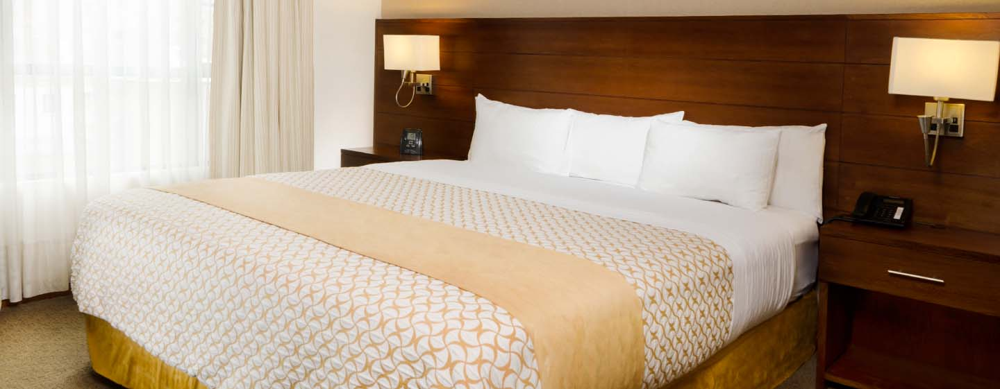 Hotel Embassy Suites by Hilton Bogotá - Rosales - Colombia - Suite con cama king