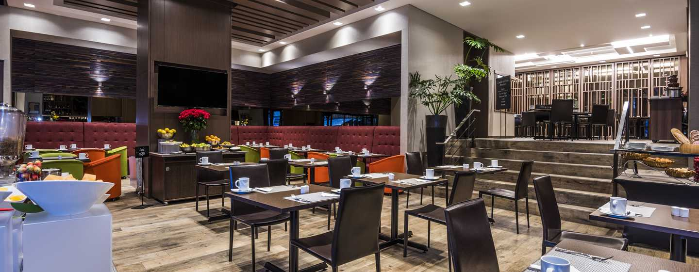Hotel Embassy Suites by Hilton Bogotá - Rosales, Colombia - Comedor