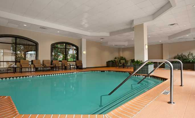 Embassy Suites by Hilton Dallas Near the Galleria, Texas - Piscina bajo techo