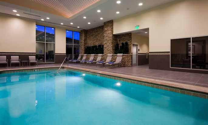 Hotel Embassy Suites Denver - Downtown/Convention Center - Piscina bajo techo
