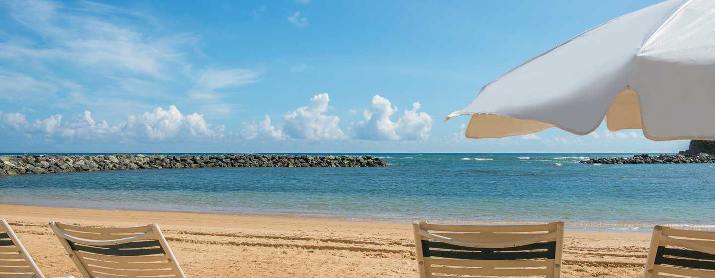 Hotel Embassy Suites by Hilton Dorado del Mar Beach Resort, Dorado, Puerto Rico - Playa