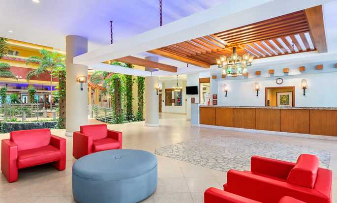 Hotel Embassy Suites by Hilton Dorado del Mar Beach Resort, Dorado, Porto Rico – Lobby