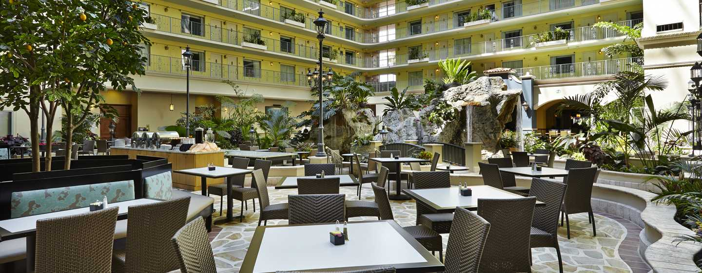 Embassy Suites Fort Lauderdale - 17th Street, USA - Átrio
