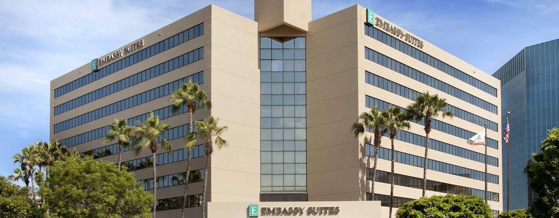 Hotel Embassy Suites Irvine - Orange County Airport, California - Fachada del hotel de día
