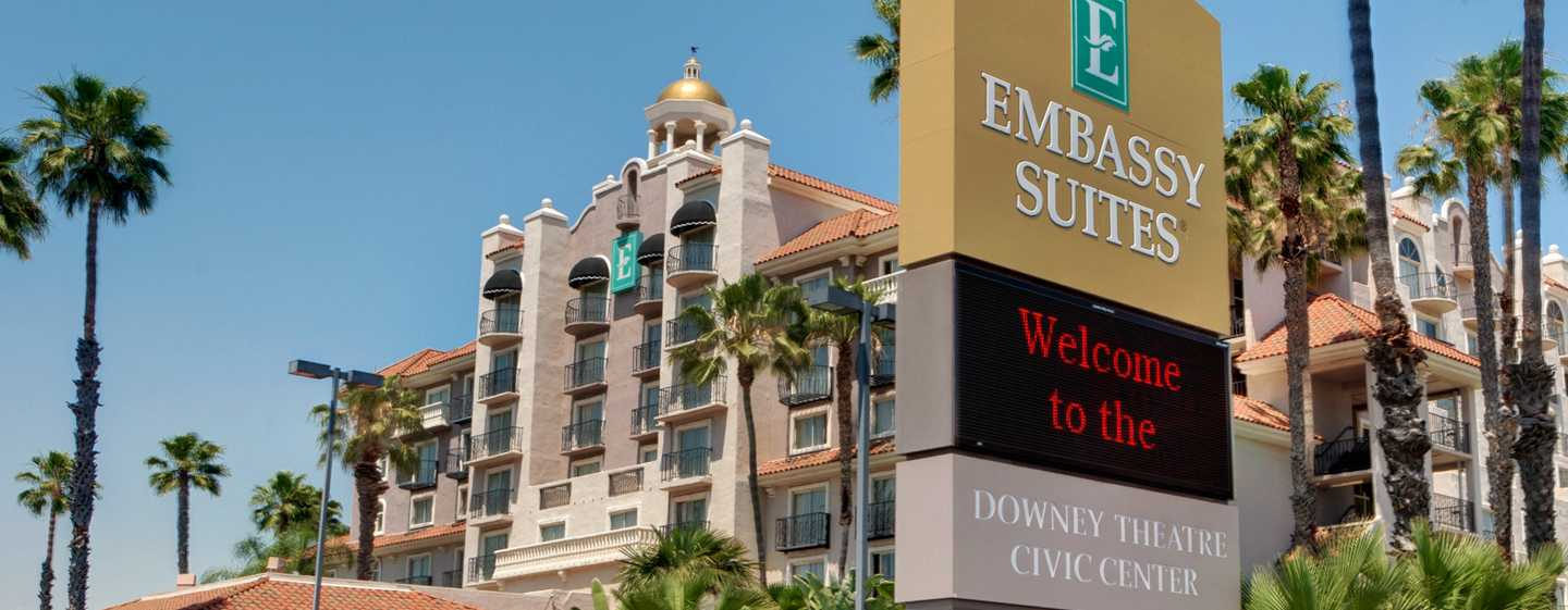 Embassy Suites by Hilton Los Angeles Downey, California - Fachada del hotel