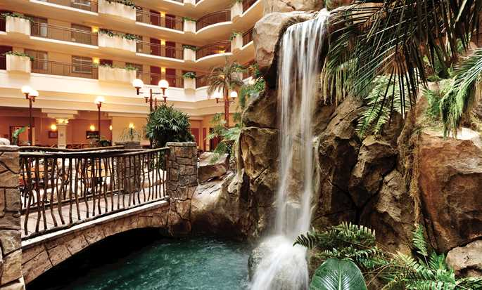 Hôtel Embassy Suites Anaheim - South, Californie - Cascade