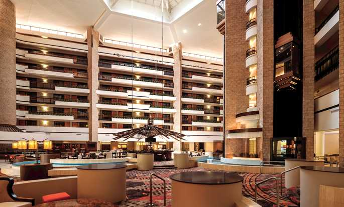 Embassy Suites Orlando-International Drive/Jamaican Court, Orlando, Florida - Atrio del hotel