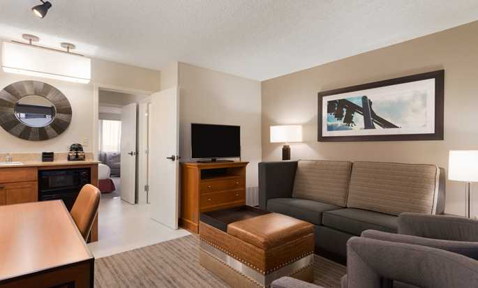 Embassy Suites Orlando-International Drive/Jamaican Court, Orlando, Florida - Suite doble