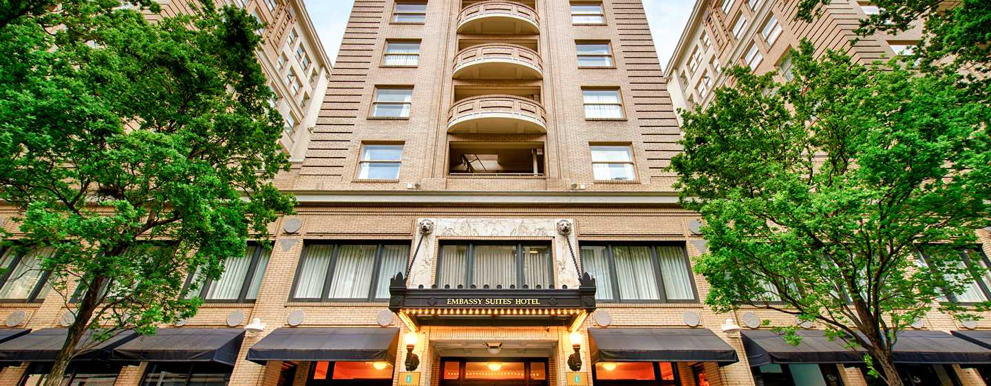 Embassy Suites by Hilton Portland Downtown, Oregon - Entrada del hotel