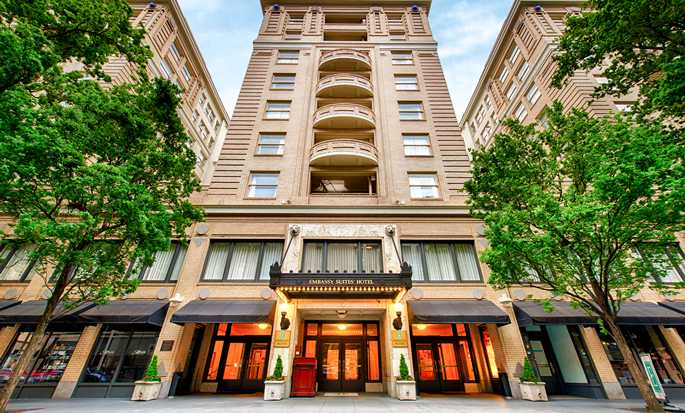 Hotel Embassy Suites by Hilton Portland Downtown, Oregon - Entrada del hotel