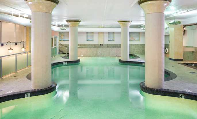 Hotel Embassy Suites by Hilton Portland Downtown, Oregon - Piscina bajo techo