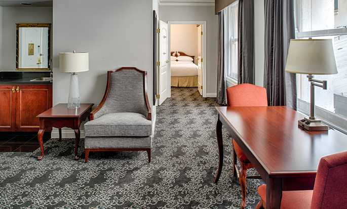 Embassy Suites by Hilton Portland Downtown, Oregon – Suite mit zwei Queen-Size-Betten