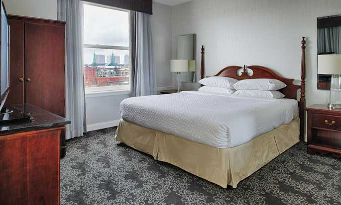 Embassy Suites by Hilton Portland Downtown, Oregon – Suite mit King-Size-Bett und Stadtblick