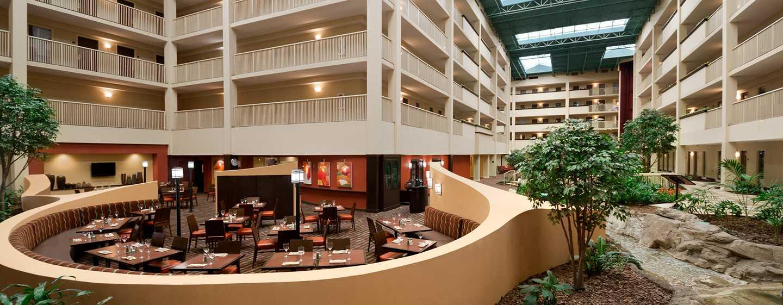 Embassy Suites Philadelphia – Airport Hotel, Pennsylvania, USA– Lobby mit Atrium